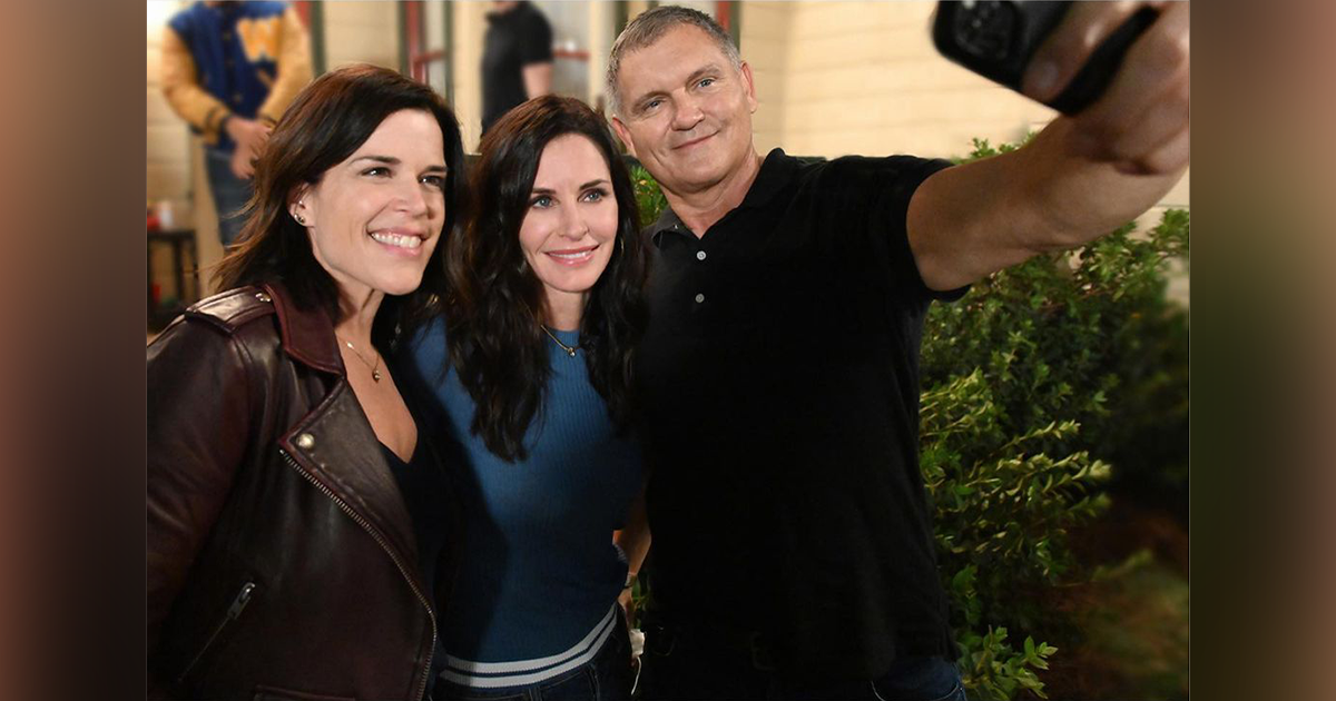 Neve Campbell, Courteney Cox and Kevin Williamson | Photo: Brownie Harris